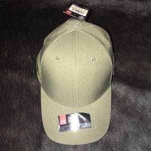 Men's UA baseball hat
